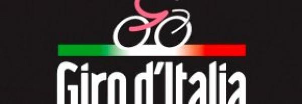 foto articolo Il Giro d'Italia il 15 maggio parte da Sassano nel Vallo di Diano e passa davanti al nostro albergo.