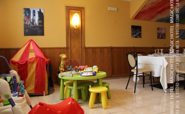 Foto animazione bambini ristorante atena lucana