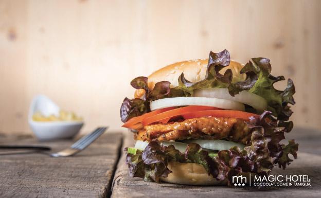 Foto hamburger gorumet atena lucana panini gourmet