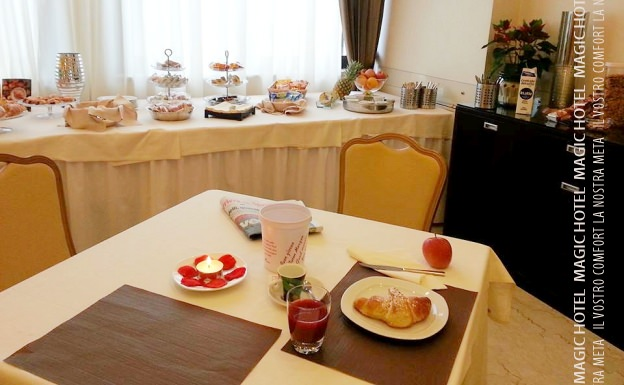 Foto prima colazione per camera magic hotel uscita autostrada sala consilina