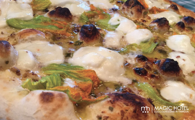 Foto pizza fiori di zucca pizzeria atena lucana