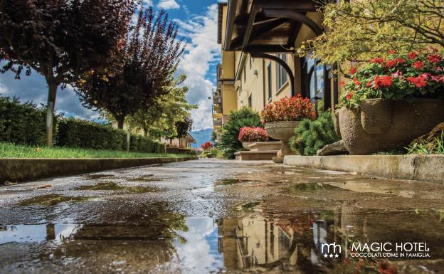Foto giardino albergo atena lucana