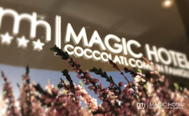 Foto struttura esterno hotel logo magic hotel